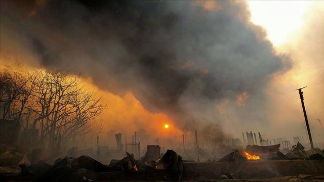Müslüman mültecilerin kaldığı kamptaki yangında ölenlerin sayısı 28'e yükseldi