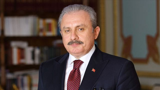 Türkiye'nin yeni anayasa yapabileceğine inanıyorum