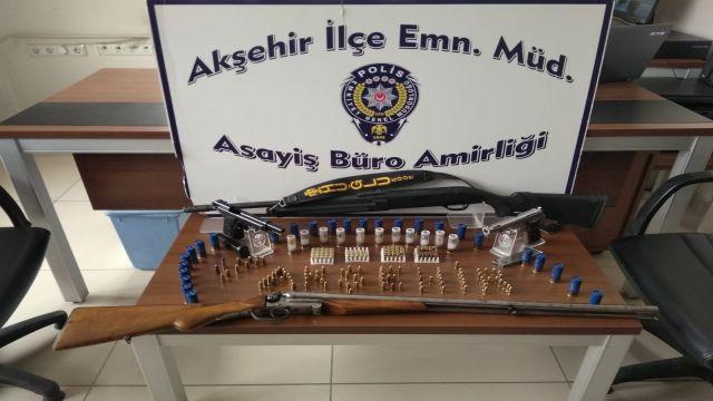 Akşehir'de kaçak silah operasyonu
