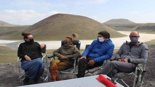 Alman turistler Meke Gölü'nde kamp yaptı