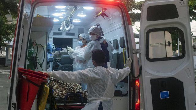 Brezilya'da 24 saatte 2 bin 966 kişi koronavirüs'den hayatını kaybetti
