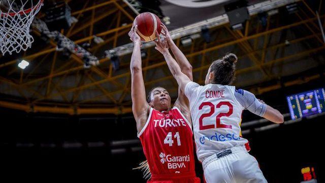 Kadın Basketbol Takımı, İspanya'ya 75-41 yenildi