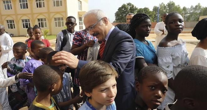 Bakan Elvan Mali'de öğrenci yurdu açtı