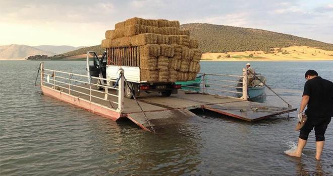 Adalara duba üzerinde  taşımacılık yapılıyor