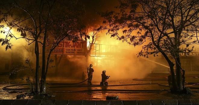 Başkentte sanayi sitesinde yangın