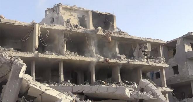 Afrin'de teröristlerin bomba tuzakladığı binada patlama