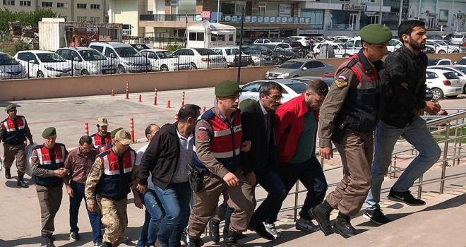 İzmir'deki soruşturmalarda 32 tutuklama