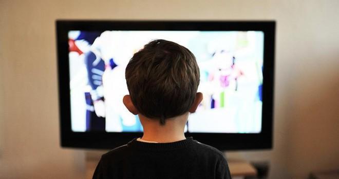 Çocuk programlarında 'abur cubur' reklamına yasak