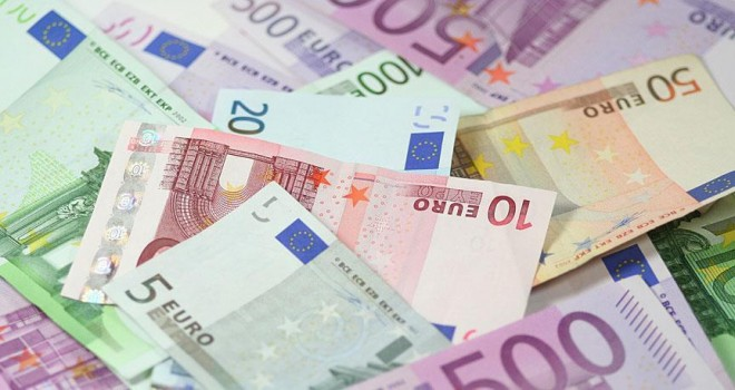 Avro'da ekonomik faaliyet hız kesti