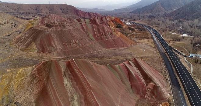 Doğu'nun 'gökkuşağı tepeleri' turizme kazandırılacak