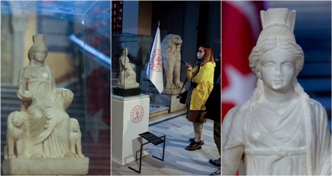 1700 yaşındaki 'Kybele' heykeli ziyaretçilerini ağırlamaya başladı