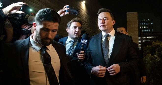 Musk İngiliz dalgıca 'pedofil' nitelendirmesinden mahkemeye çıktı