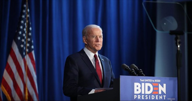 Aday Joe Biden erken oy kullandı