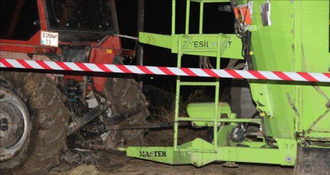 Yem karma makinesine sıkışan iki küçük kardeş öldü