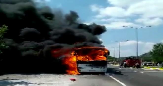 Yolcu otobüsü alev aldı! 5 ölü