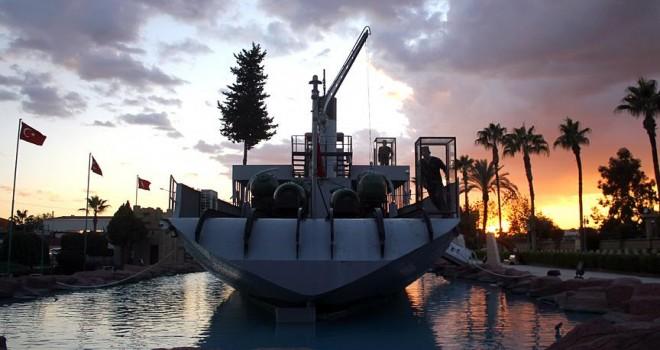 'Nusret Mayın Gemisi' 14 yıldır turizme katkı sağlıyor