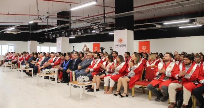 İzmir Kavram Meslek Yüksekokulunda akademik yıl açılışı