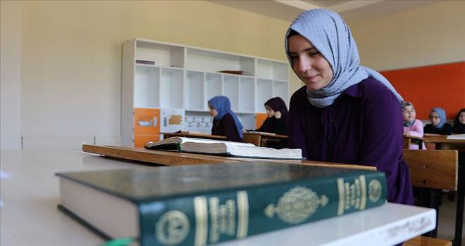 Disleksi hastası İkbal'in Kur'an aşkı