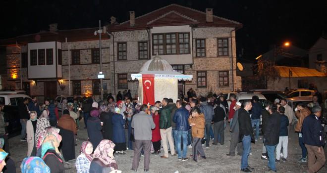 Beyşehir'de sıcak süt ikramı