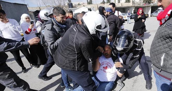 İsrail maratonunu protesto etmek isteyen Filistinlilere engel