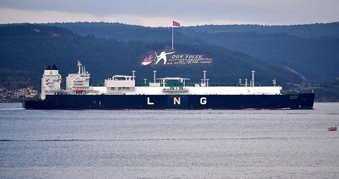 Çanakkale Boğazı'ndan LNG tankeri geçti