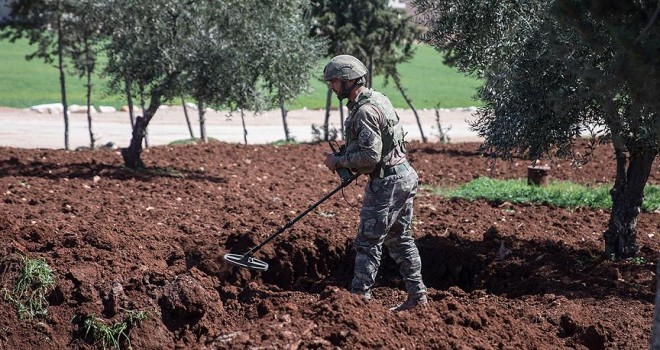 Afrin'de 10 günde Afrin'de 95 patlayıcı imha edildi