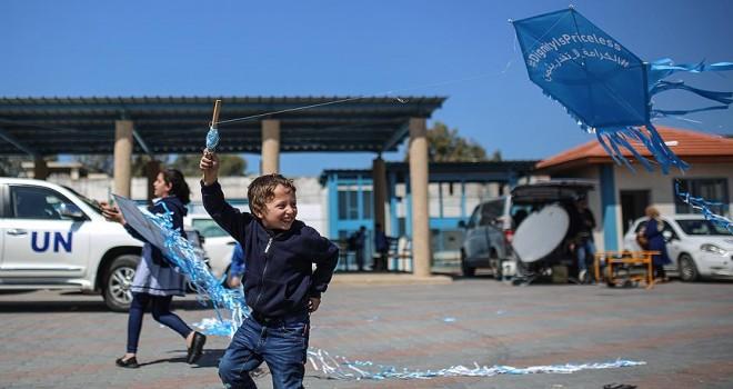 Gazzeli çocuklardan UNRWA için 'uçurtma' eylemi