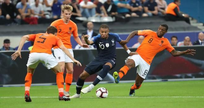 Fransa, Hollanda karşısında galip
