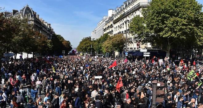 Fransa'da ilkbahar grev ve gösterilerle başlıyor