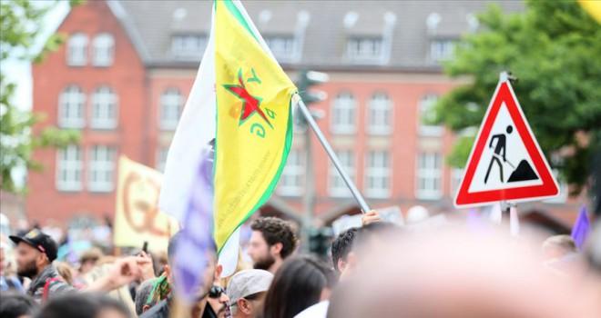 Terör örgütü PKK yandaşları Türk öğrenciye saldırdı