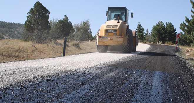 Aladağ Kayak Merkezi  yolu asfaltlanıyor
