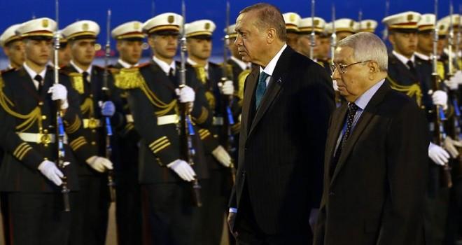 Cumhurbaşkanı Erdoğan Cezayir'de ikili anlaşmaları imza törenine katıldı