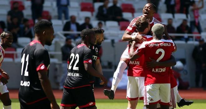 Sivasspor, Gençlerbirliği'ni ateşe attı