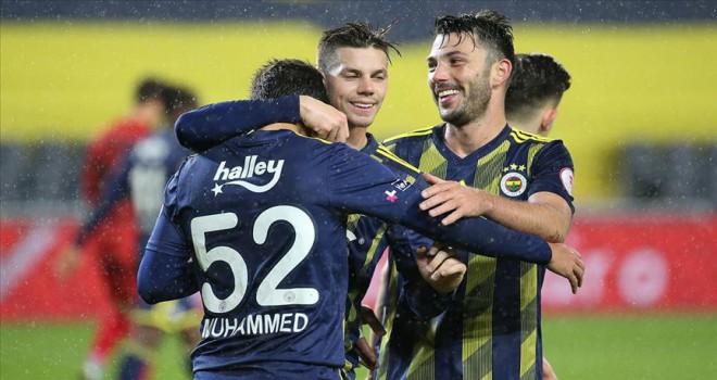 Fenerbahçe İstanbulspor'u 4 golle geçti