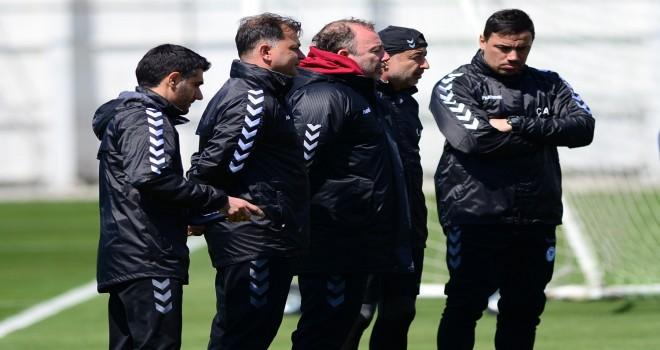 'Konyaspor'da kalmak isteriz'
