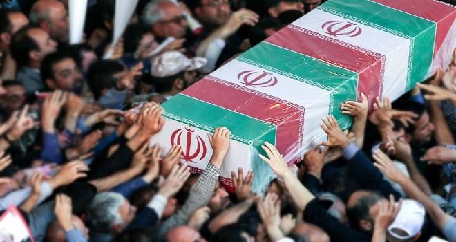 İran'da polis cenazesinde Türkçe slogan