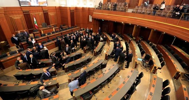 Lübnan 9 yıl aradan sonra yeniden seçimi tartışıyor