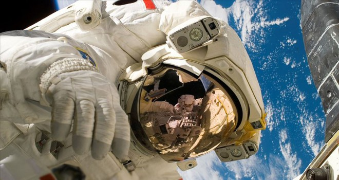Uzaya çıkması planlanan ilk siyahi Afrikalı motosiklet kazasında öldü