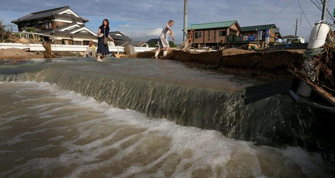 Japonya'daki sel ve toprak kaymaları can almaya devam ediyor