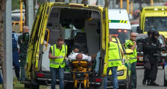 Yeni Zelanda'da iki camiye saldırı çok sayıda ölü var