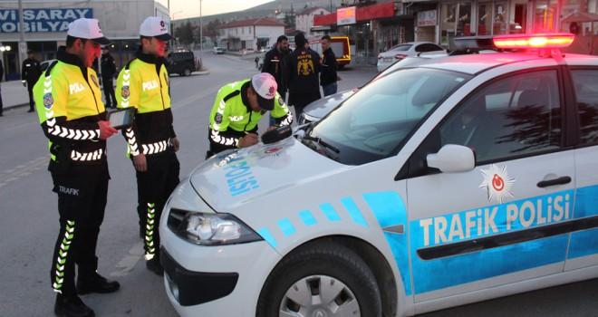 Yunak'ta polisin huzur uygulaması