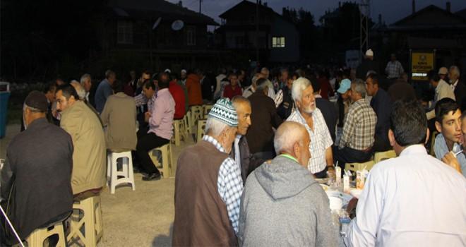 Seydişehir'de Mahallelerde İftar Yemeği