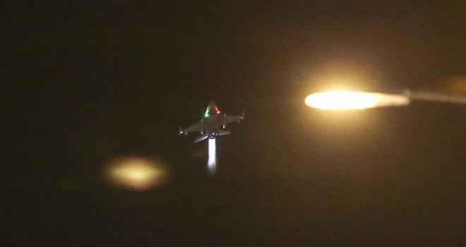 F-16'lara Akıncı'ya inmeden havada yakıt ikmali yapmış