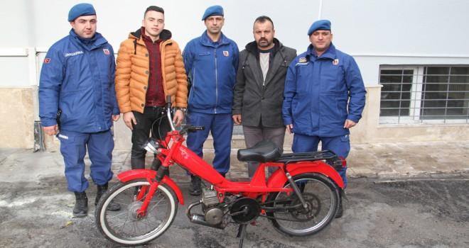Çalıntı motosikletsahibine teslim edildi