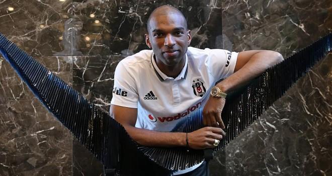 Babel futbolu Beşiktaş'ta bırakmak istiyor