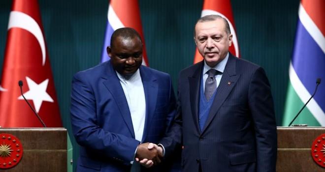 Gambiya Cumhurbaşkanı Barrow'dan Erdoğan'a tebrik telefonu