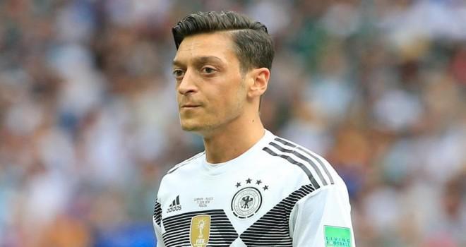 Mesut Özil'e