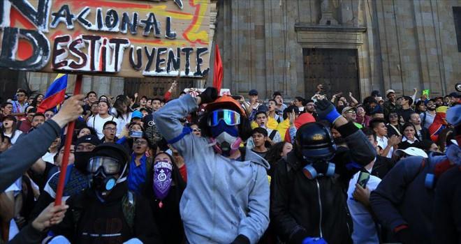 Kolombiya'da hükümetin oluşturduğu protestoları durduramadı