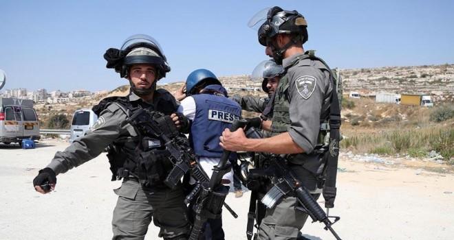 Filistinli gazeteciye gözaltı