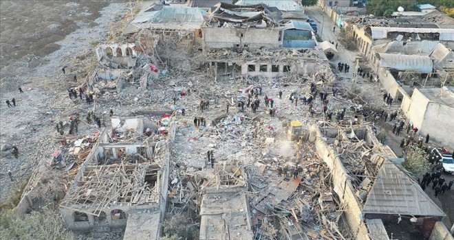 Azerbaycan'da 69 sivil öldü, 322 kişi yaralandı